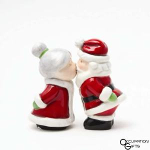 santa salt pepper shakers