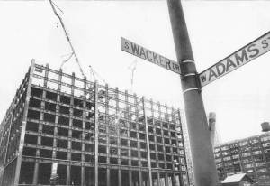 photo-chicago-sears-tower-construction-underway-1971