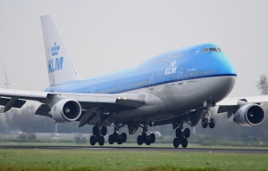 Landing-of-a-Boeing-747-400