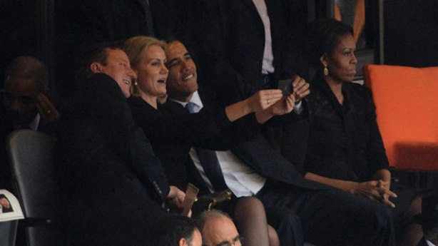 Obama and Helle selfie photo time