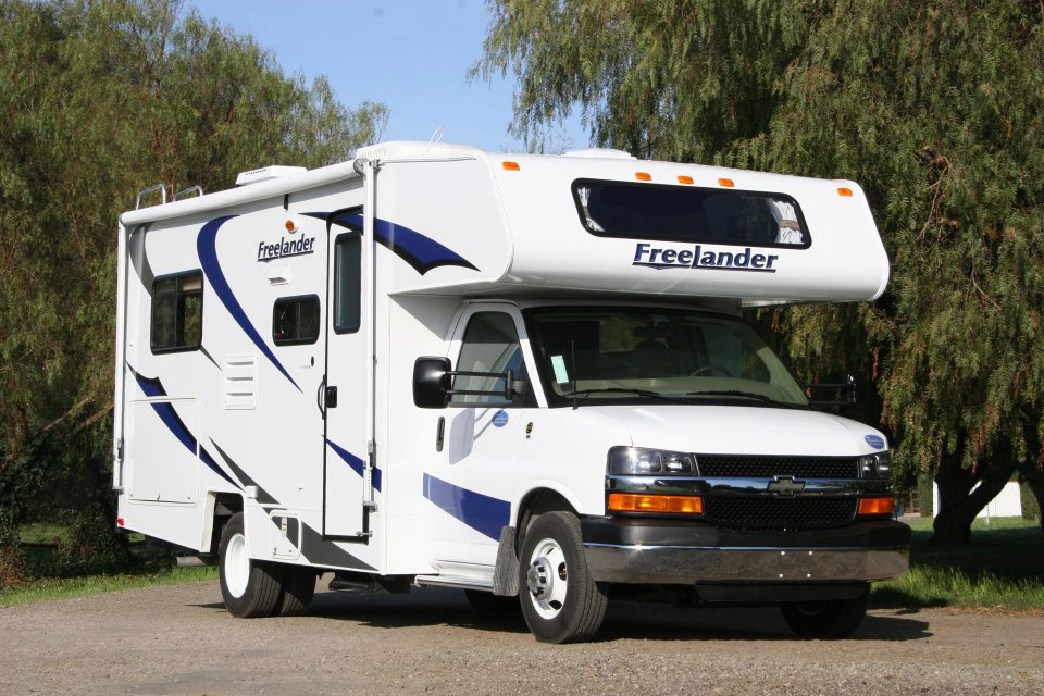 Simple Motorhome And RV Rental In America  C25 Slideout