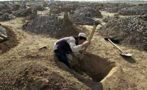 grave_digging_afghan