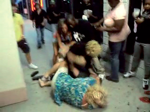 blackfriday_fights_11-27-2012