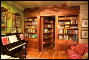 bookshelves-hidden-door