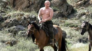 putin_shirtless_on_horse