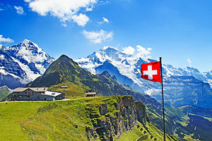 switzerland-swiss-flag-on-mannlichen